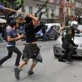 Kas ka siin kasutab politsei vägivalda? Või on lugu vastupidine