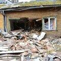 Viljandis sõitis auto majja