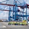 ФОТО | Контейнерный терминал в Мууга выходит на новый уровень: в порт прибыли мощные краны