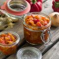 RETSEPT | Vaata, kuidas teha kuulsat hoidist - Täku salatit