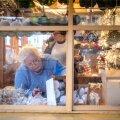 Jõuluturu ettevalmistused Tallinna Raekoja platsil