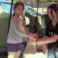 ВИДЕО | DELFI В АРМЕНИИ: В пунктах помощи на улицах Еревана беженцам из Карабаха помогают даже дети