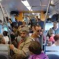Tallinnast väljunud Elroni edelasuuna rong oli puupüsti rahvast täis.