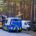 ФОТО | Автомобиль вылетел с дороги и врезался в дерево: погиб человек