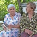 """Burna küla eesti naised Leonida Soots ja Tibora Tšugina. Kaader Vahur Laiapea  dokumentaalfilmist """"Mesipuu poole""""."""