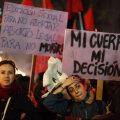 """""""Minu keha, minu õigus"""". Abordi pooldajad 2013. aastal protestil Santiagos"""