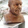Sir Sean Connery büsti materjalid on pronks, roostevaba teras ja graniit.
