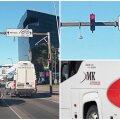 VIDEO | Tuntud bussifirma buss põrutas kahe järjestikkuse punase tule alt läbi