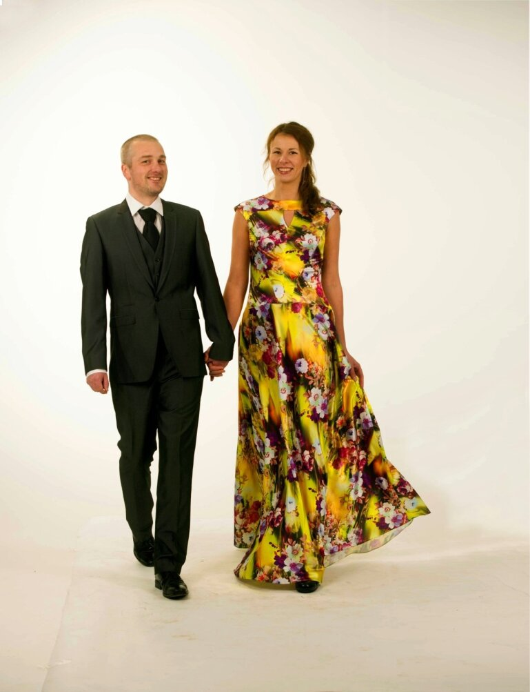 97a425c68a9 LÕPPTULEMUS: Värviline kleit toob muumiatesekka värvi, lubas kleidimüüja.