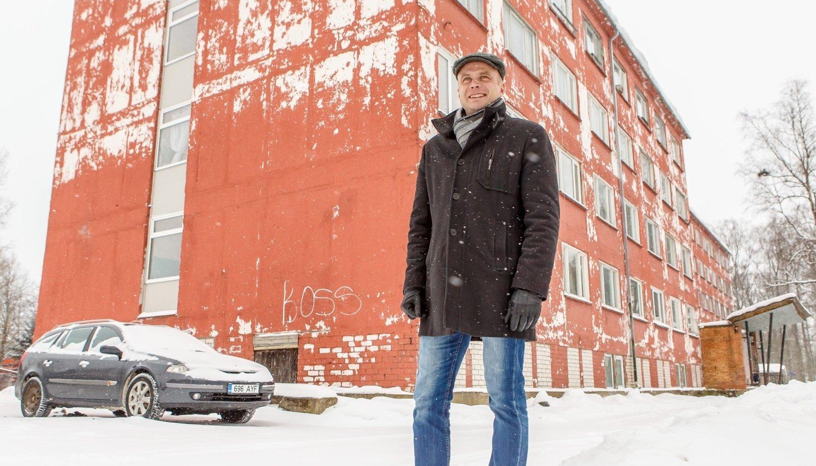 Kuigi Tori vald sai riiklike üürimajade programmi teisest voorust raha kokku 120 korteri kordategemiseks, peavad nad vallavanem Lauri Luuri sõnutsi 80 korteri jaoks antud toetusest loobuma. Rekonstrueerida on neil võimalik üksnes Sindis Pärnu mnt 27 asuv hoone (taustal).