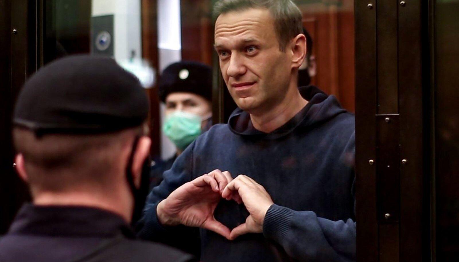 Venemaa tuntuim opositsioonipoliitik Aleksei Navalnõi pole pärast jaanuarikuist Venemaale naasmist trellide tagant välja saanud. Teda on juba korduvalt ka toodud kohtusaali.