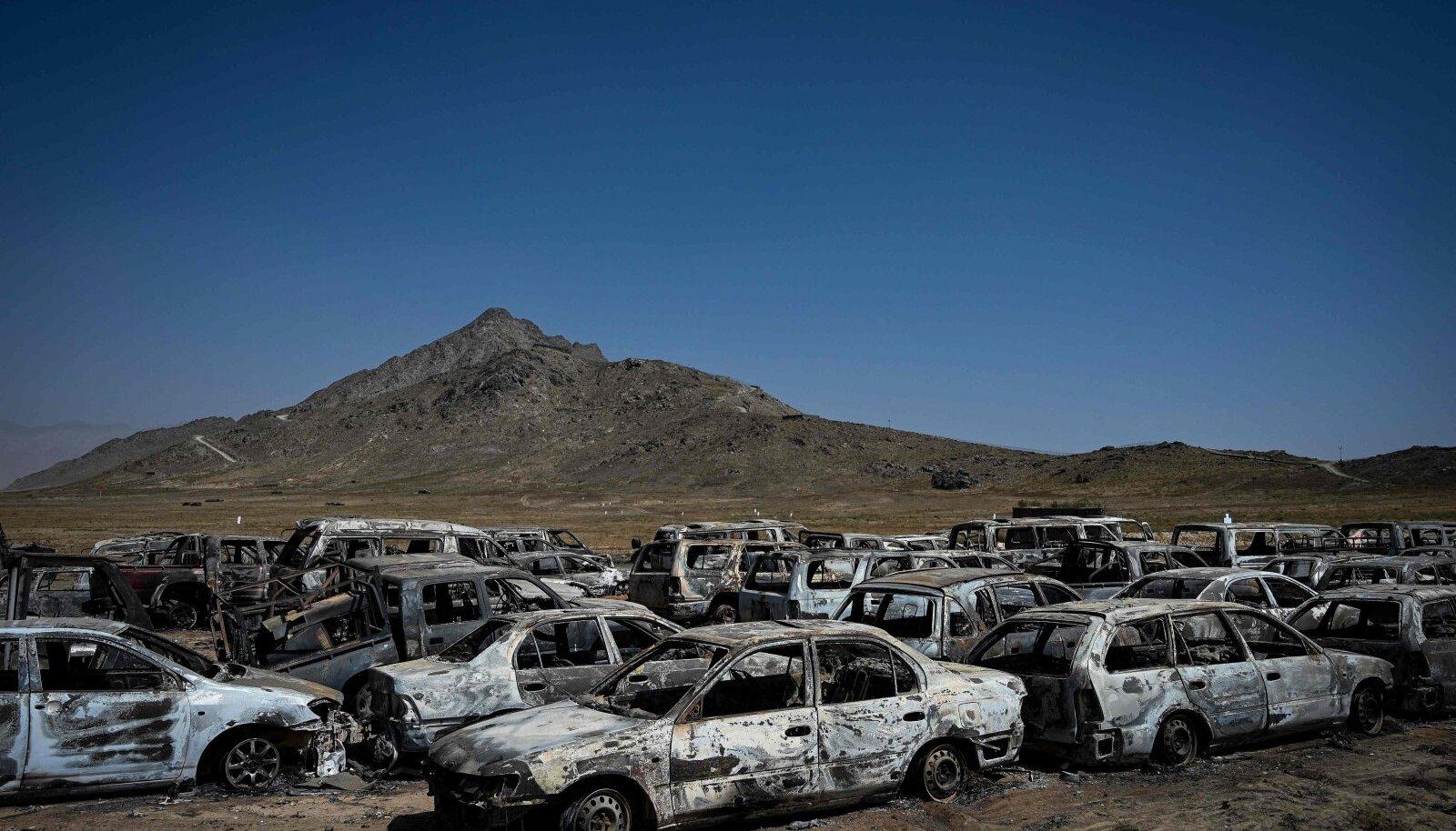 Mahapõletatud autod CIA baasis