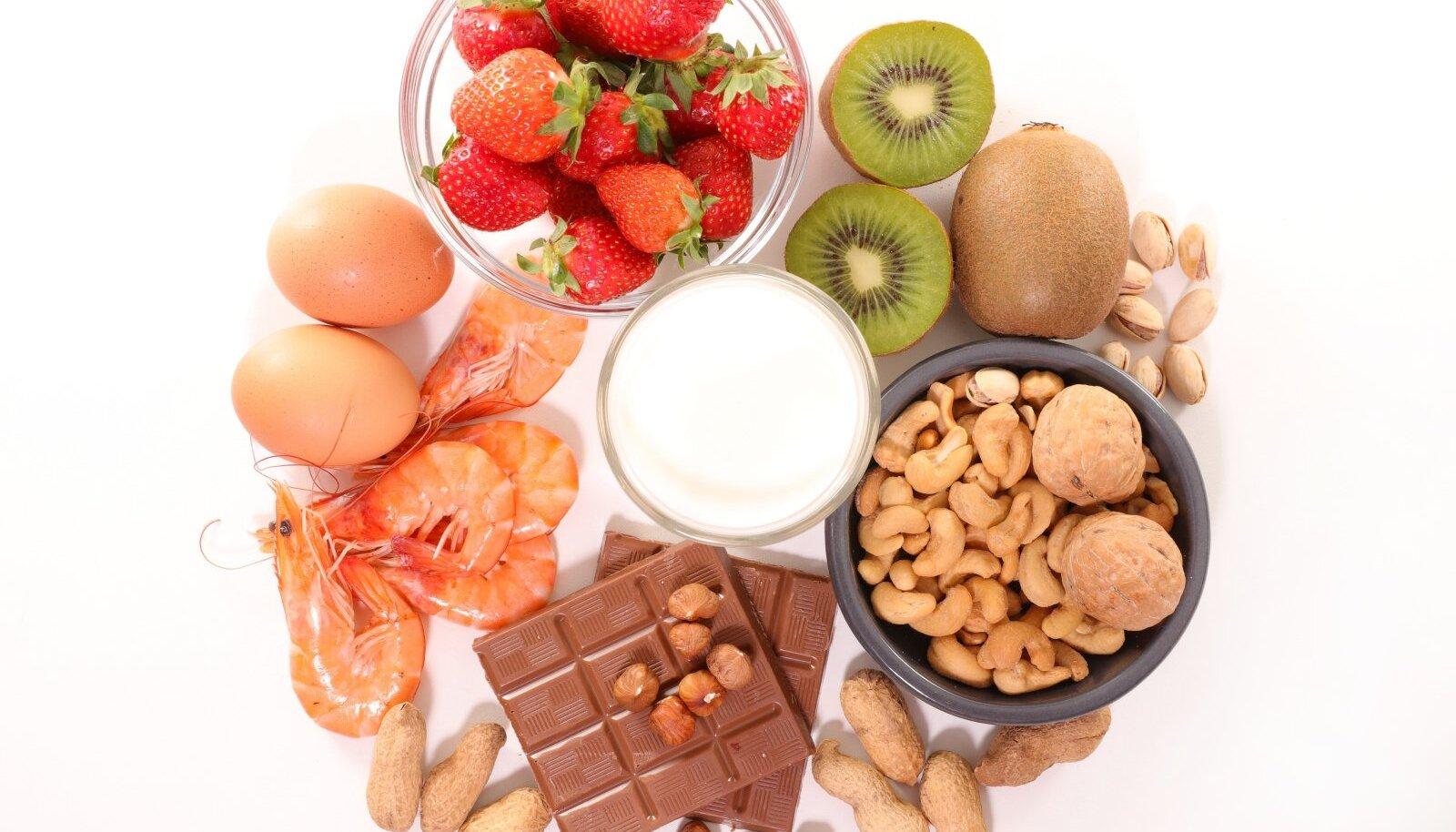 Kõige sagedamini põhjustavad allergiat pähklid, piimatooted, muna, krevetid ning mitme- sugused puuviljad ja marjad.