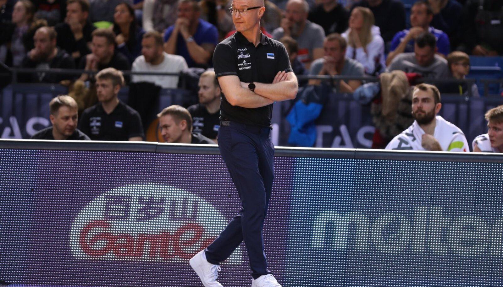 Jukka Toijala loodab, et suvel tulevad tema juurde harjutama nii palju Eesti tippkorvpallureid, kui on võimalik.
