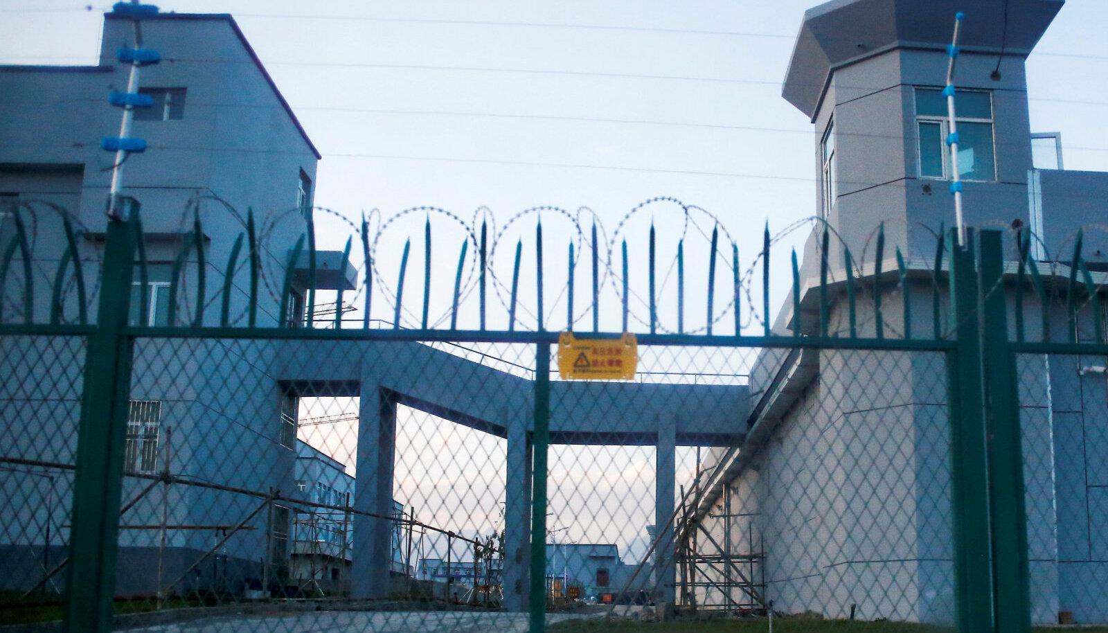 Uiguuride nn ümberõppelaager Xinjiangis.