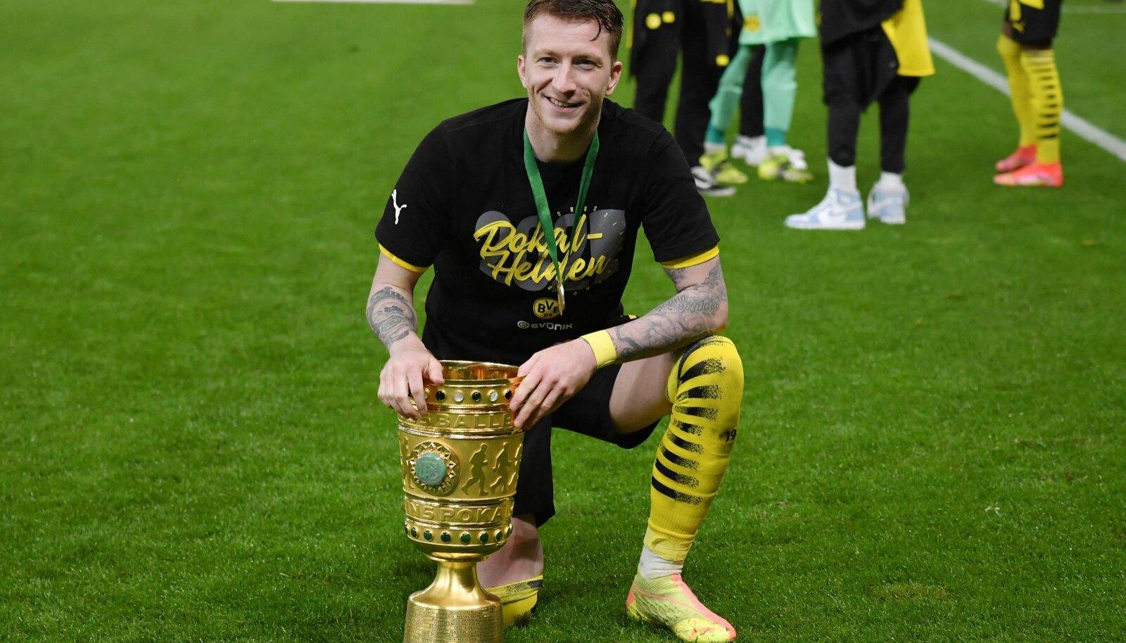 Marco Reus tähistamas Saksamaa karikasarja võitmist.