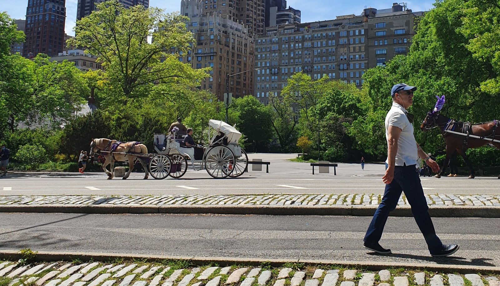 New Yorgis muutub elu taas normaalseks – homsest alates kaob enamik koroonareegleid.