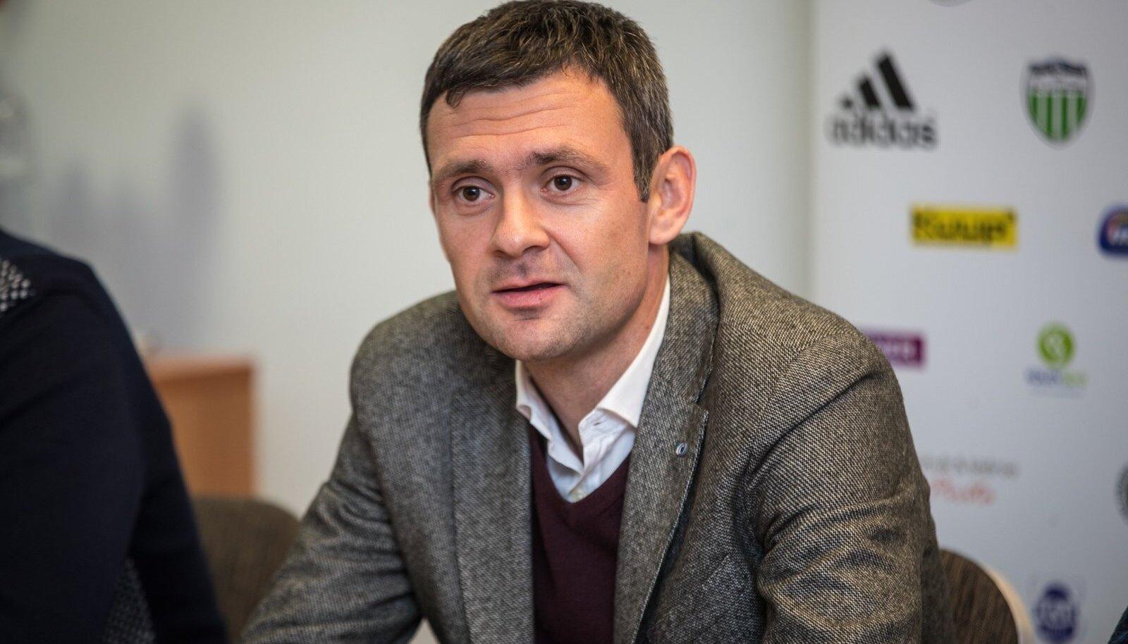 FCI Levadia peatreener Aleksandar Rogic.