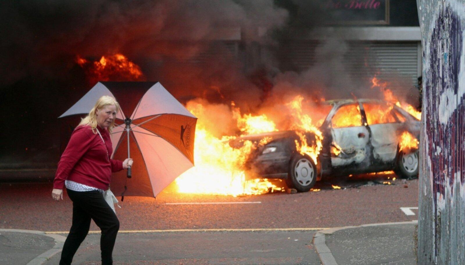 Rahutusi puhkeb Põhja-Iirimaal seniajani sageli. Kardetakse, et nn karm Brexit võib olukorda halvendada.