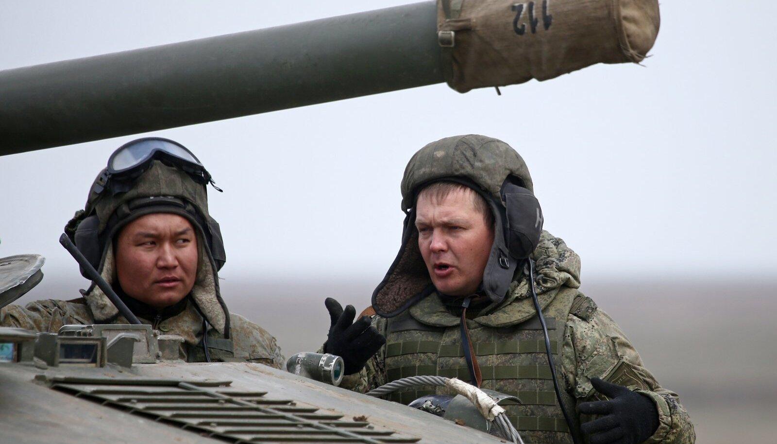 Vene sõdurid märtsi keskpaigas Krimmis toimunud korralistel õppustel