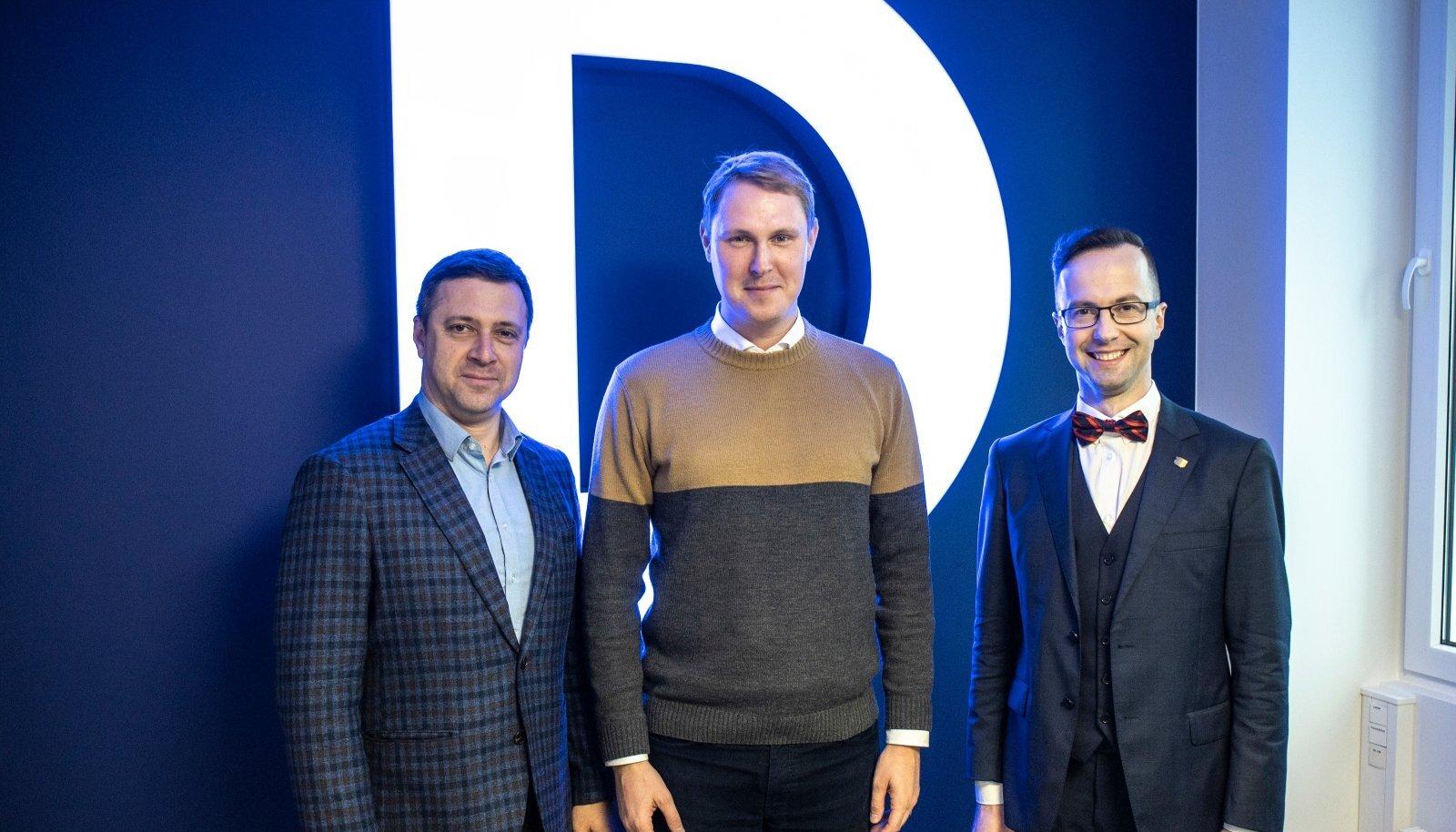 Вадим Белобровцев (ЦП), Раймонд Кальюлайд (Социал-демократы) и Евгений Криштафович (Партия реформ) в студии RusDelfi.