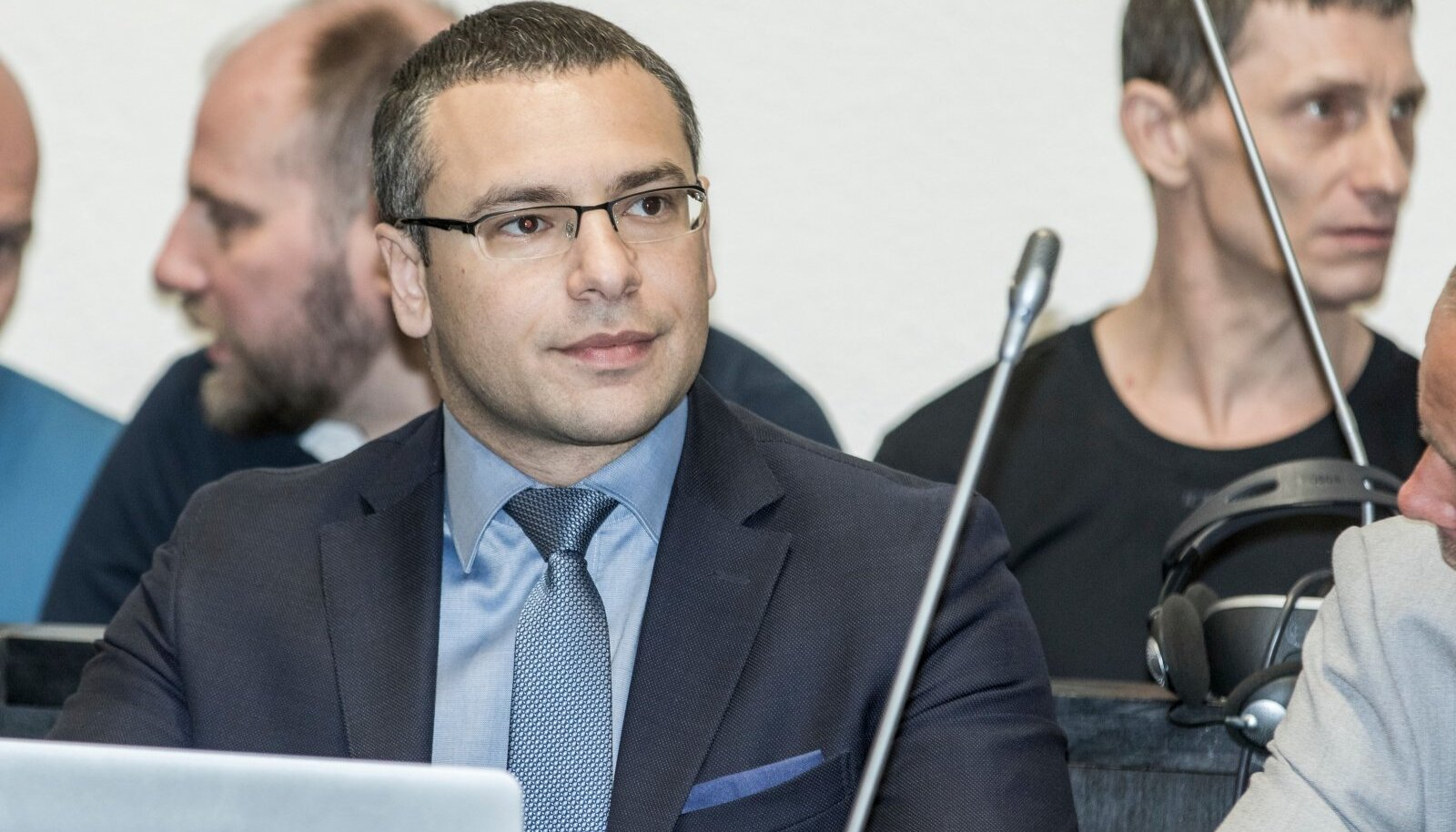 USKUMATU! Vandeadvokaat Dmitri Školjar polnud varem näinud keeldu, mis ei lase kahtlustataval oma kaitsjaga suhelda.