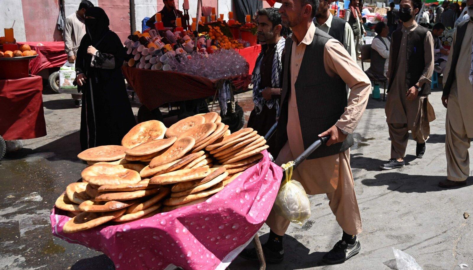 Leivamüüja Kabuli turul.