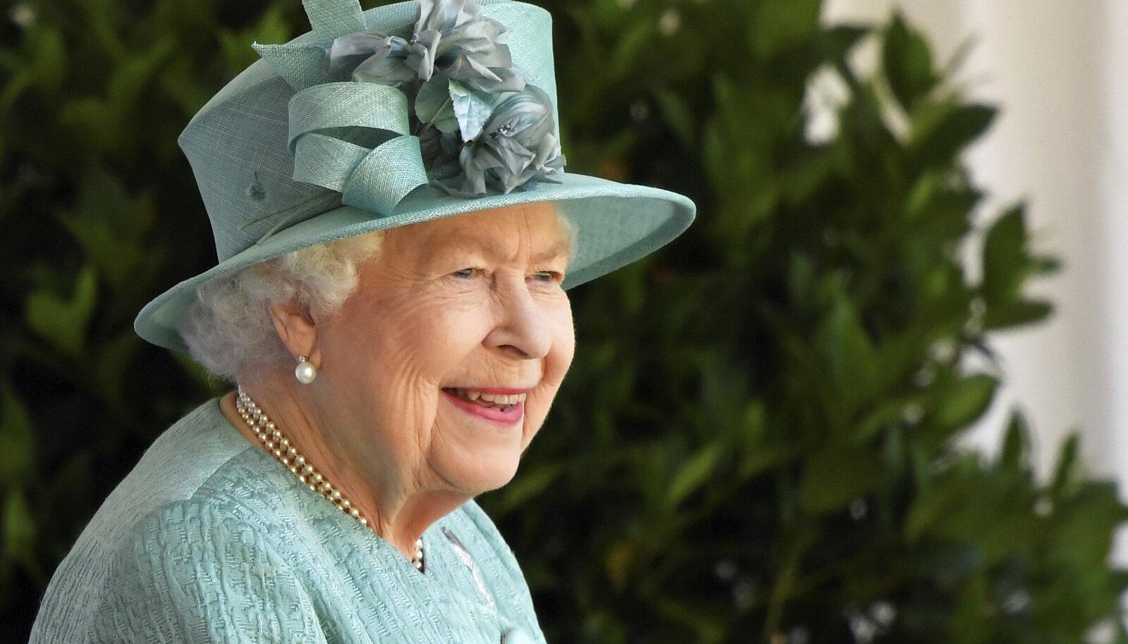 Свой день рождения королева празднует в Виндзоре впервые со времени интронизации