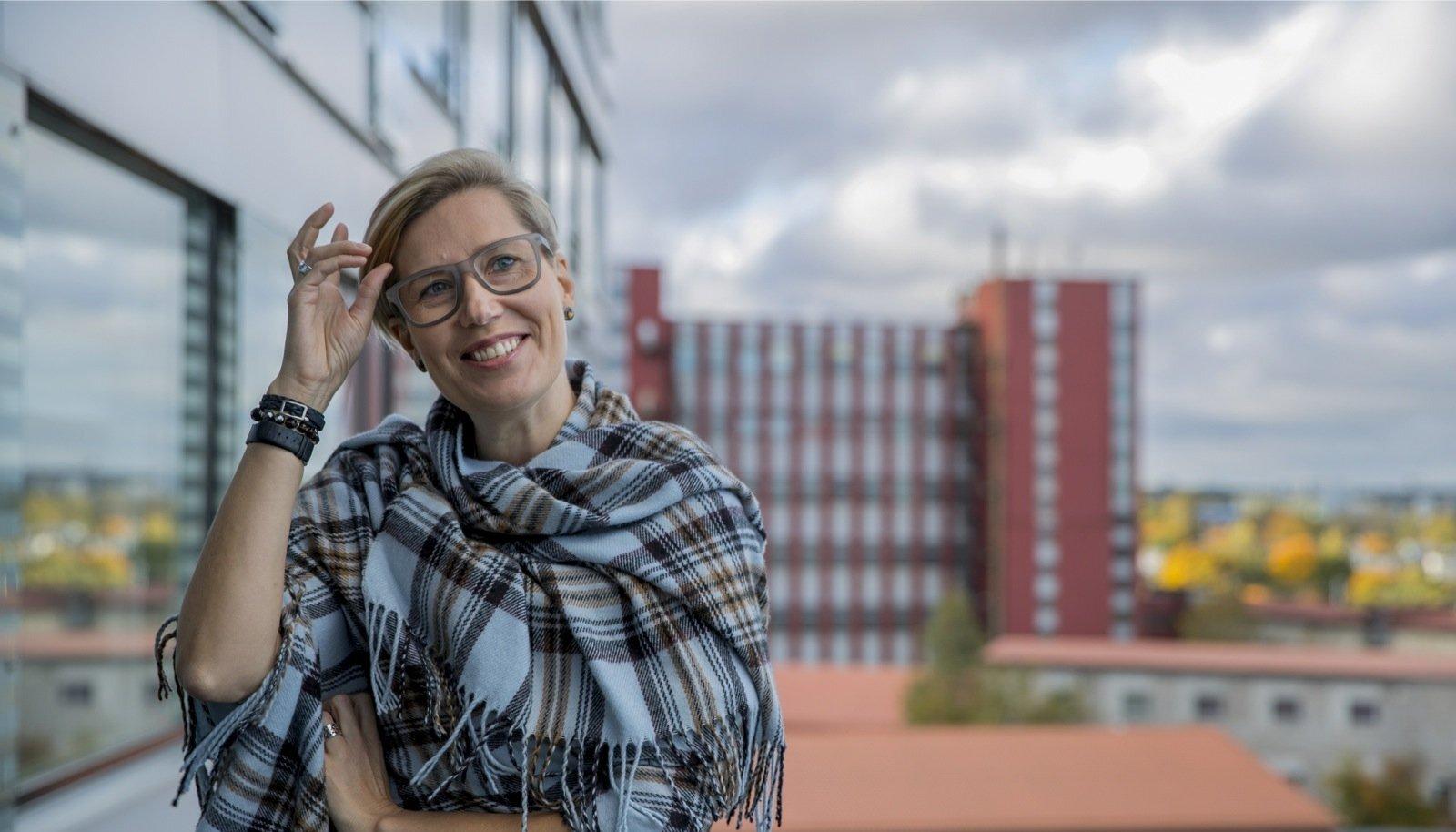 Karin Alamaa-Aas kinnitab, et tema juhitav proviisorite koda võitleb apteekrite ja patsientide, mitte Margus Linnamäe huvide eest.