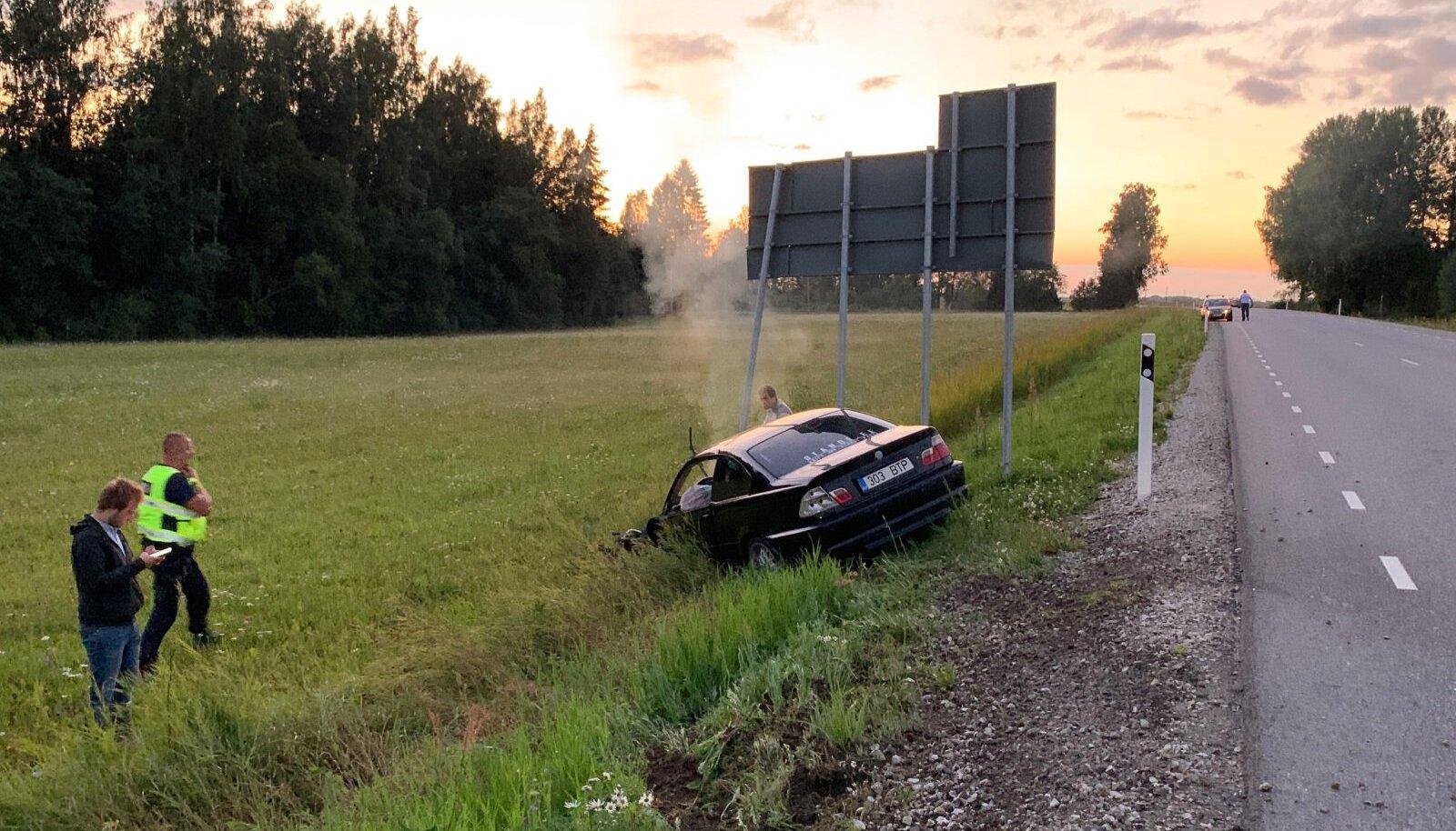 Liiklusõnnetus Tartu-Jõgeva-Aravete maanteel