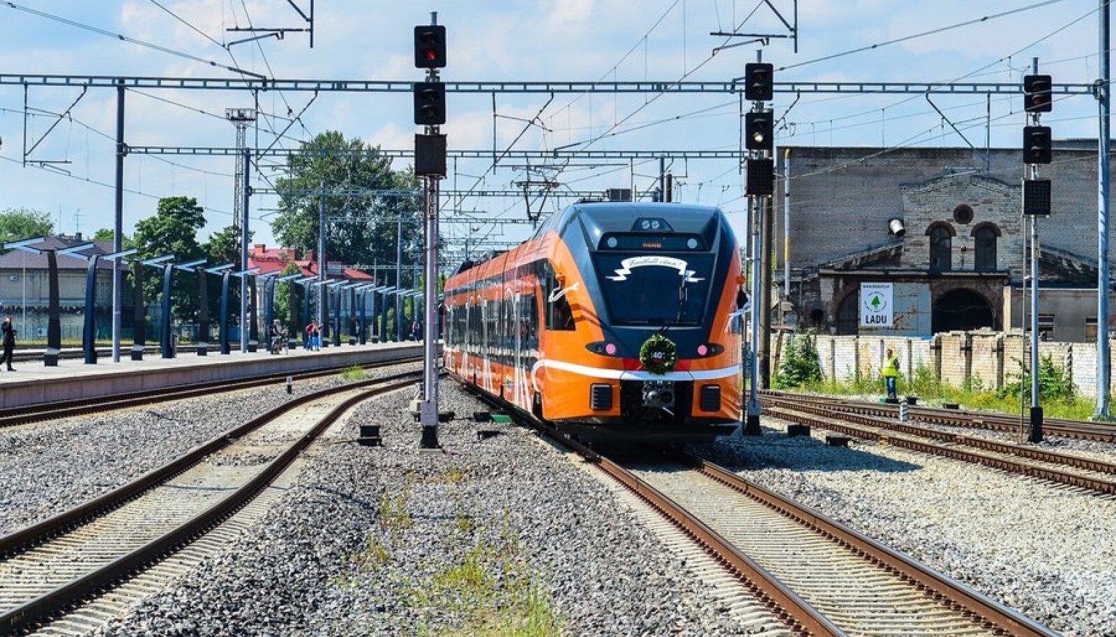 Uued rongid alustasid sõite