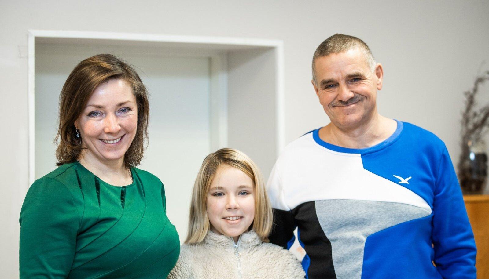 Оксана и Борис с младшей дочкой Марией.