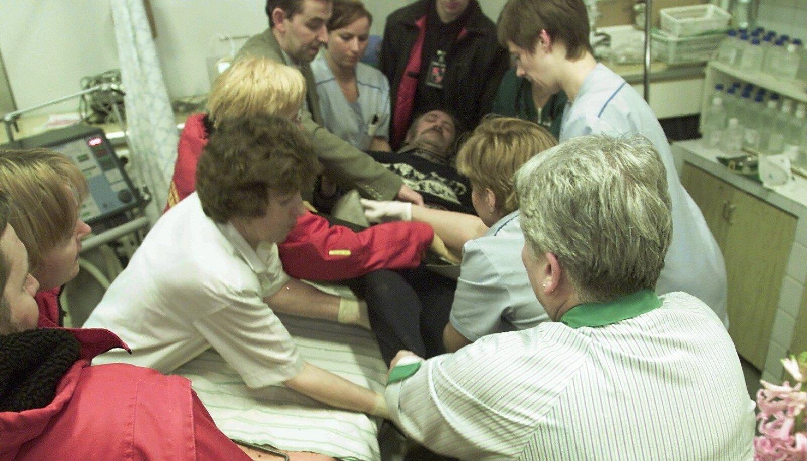 Haiglasse jõudis üle saja metanoolimürgistusega inimese. Neist paljusid ei õnnestunud päästa.