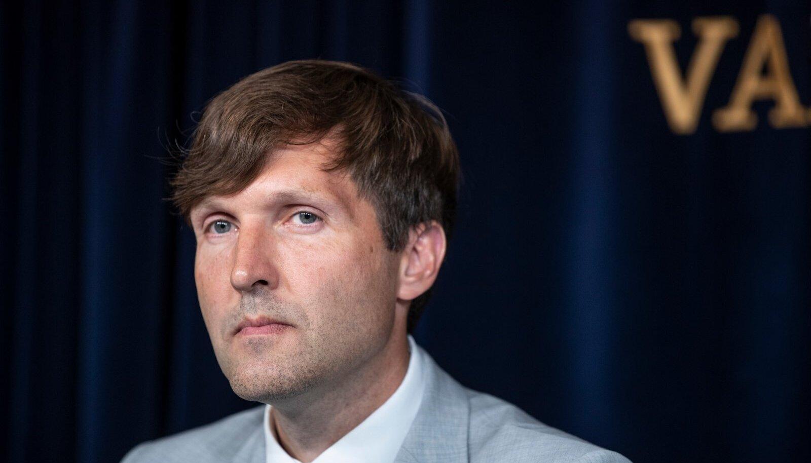 Valitsuse pressikonverents, Martin Helme