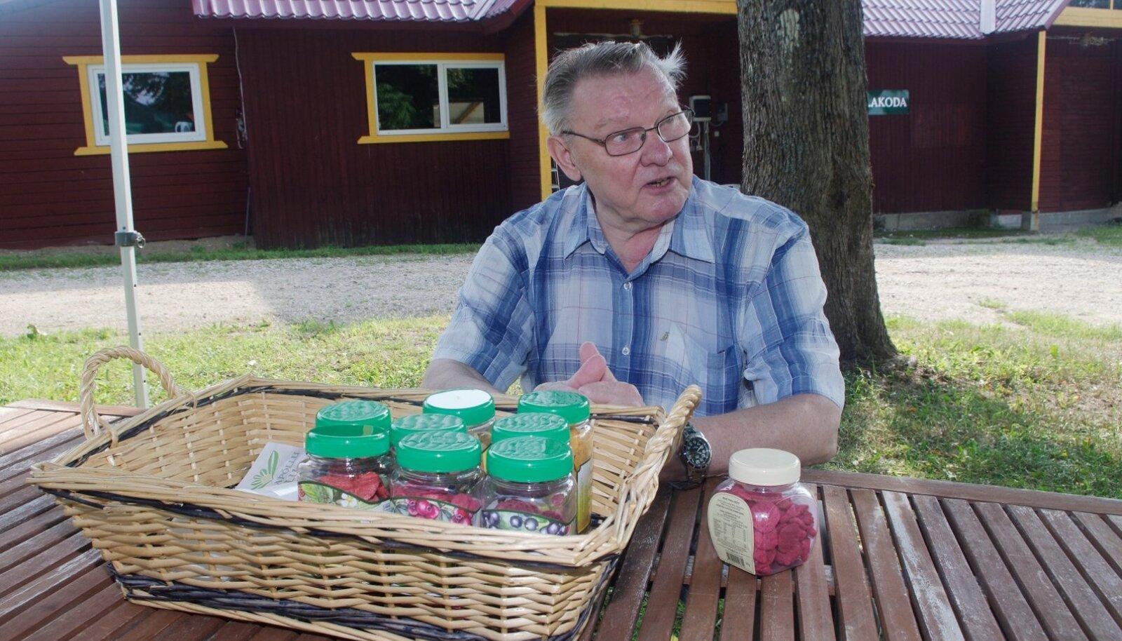 Võrumaal mahedaid marjakrõpse tootev Edgar Kolts kirjeldas oma vintsutusi väikeettevõtjana, veterinaaramet sellega aga ei nõustu.