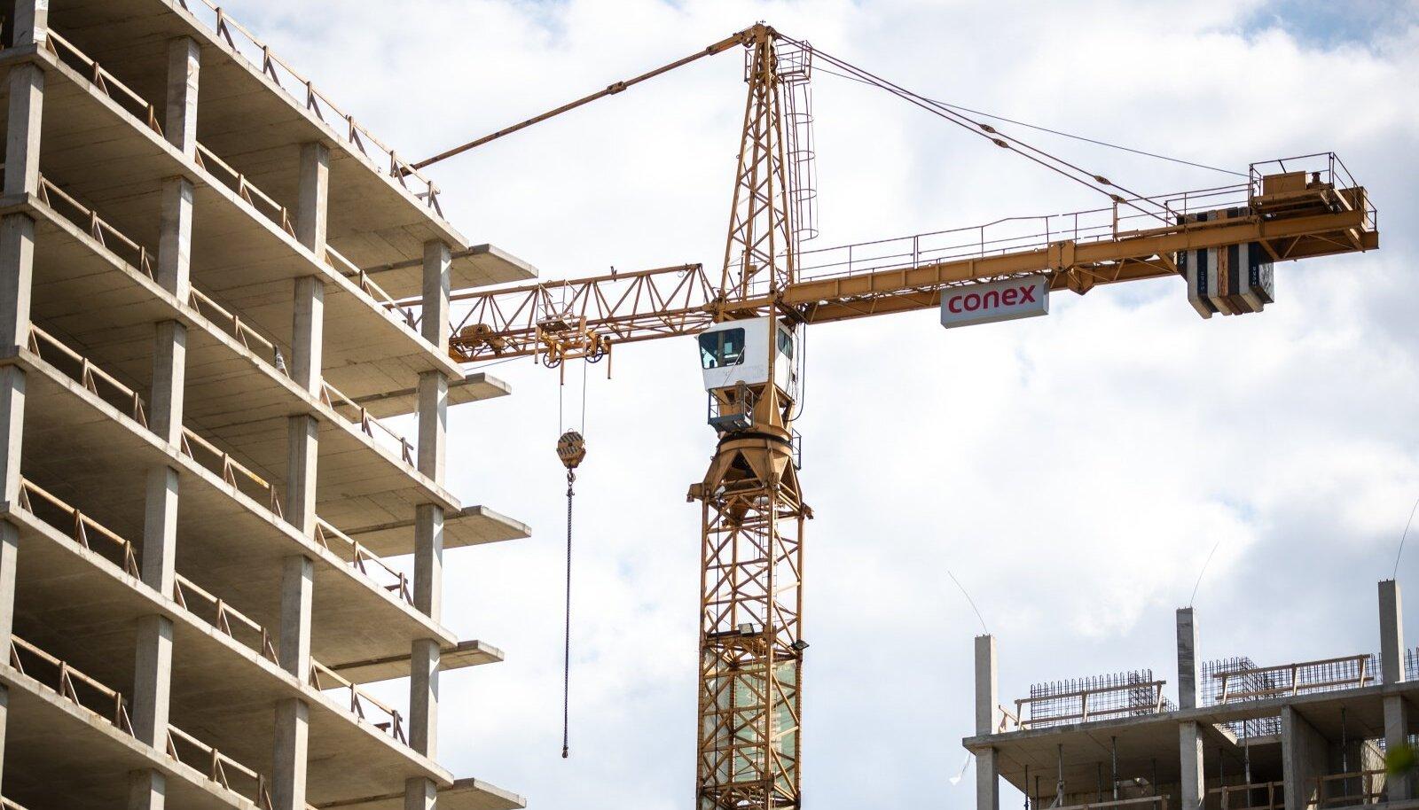 Balti võlakirjade järel on suurima mahuga kohalikud investeeringud kinnisvarainvesteeringud.