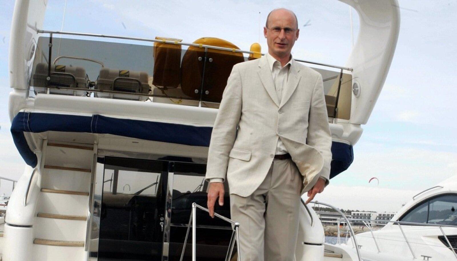 Nii Tallinna kui Monaco jahtklubi liige Viktor Siilats on teinud sammu turismiärisse ning soetanud arendamiseks suuremat ja väiksemat kinnisvara.