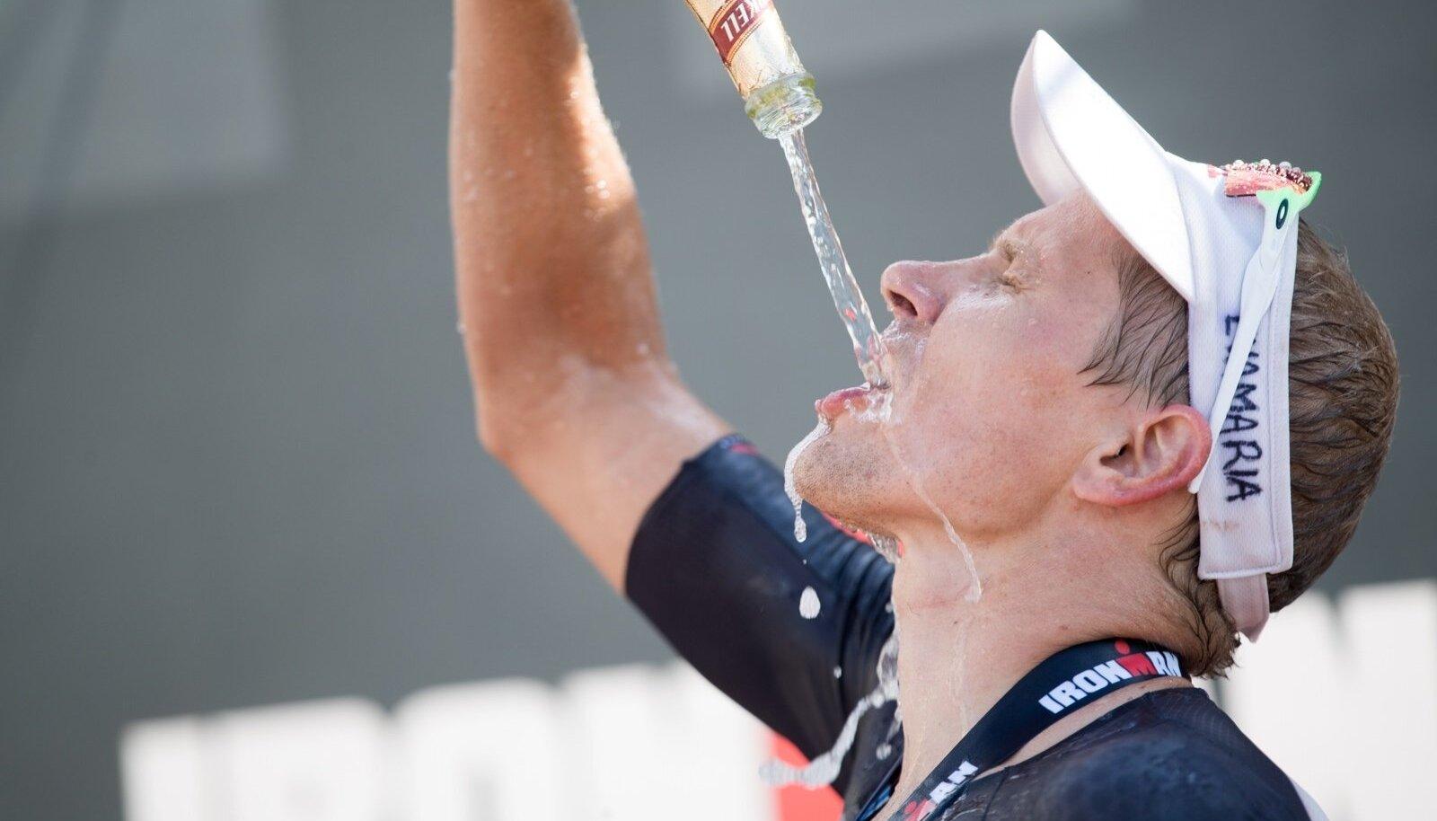 Marko Albert nautis poodiumikohaga kaasnenud šampanja maitset.