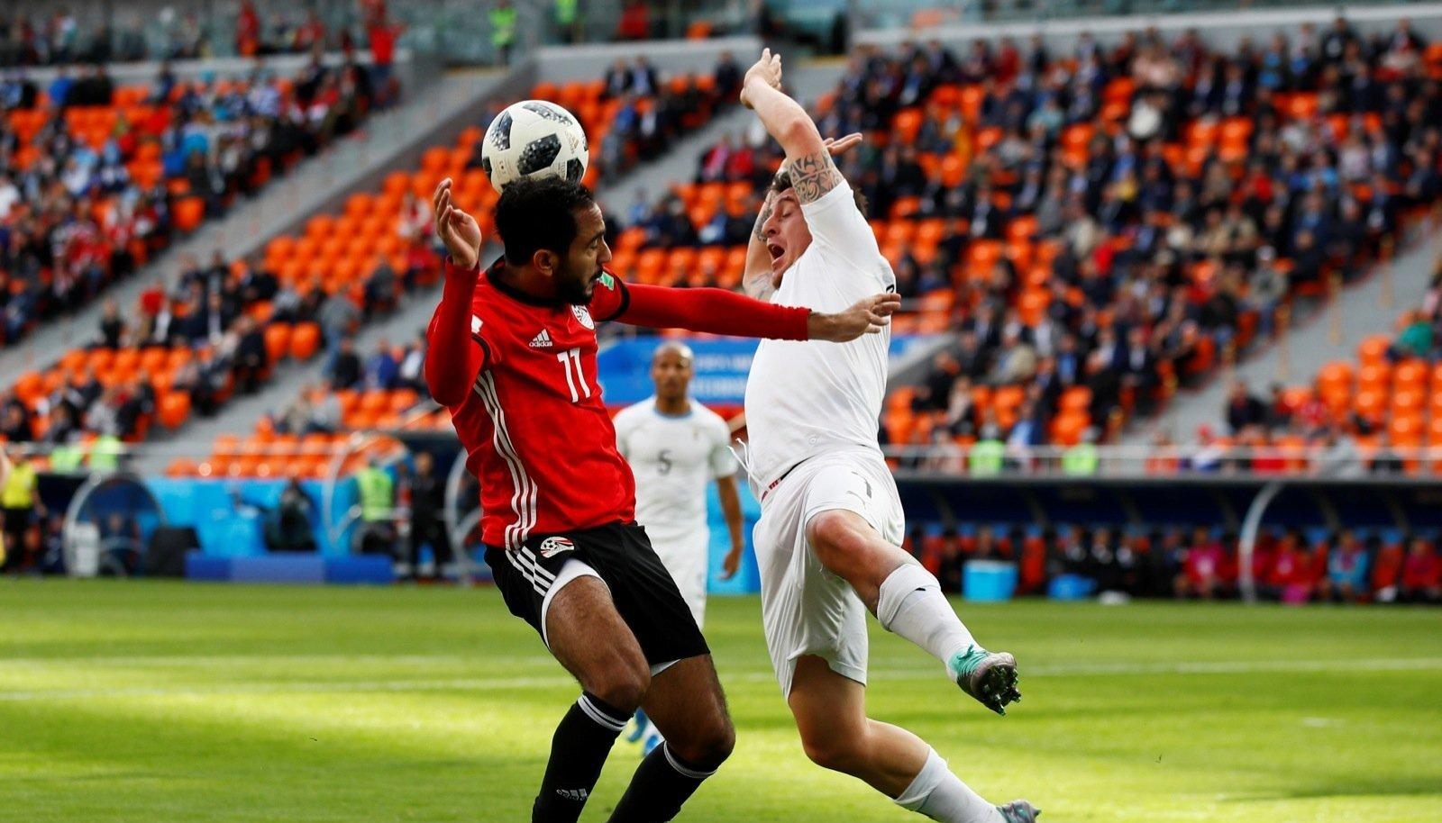 Kuhu pealtvaatajad kadusid? Egiptuse-Uruguay mänguks olid pea kõik piletid välja müüdud aga mängu ajal olid pooled istekohad tühjad.