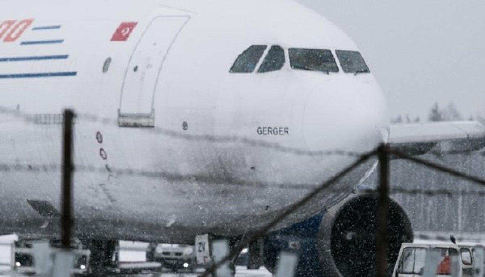 Tallinna Lennujaamas sõitis maandumisrajalt välja Türgi kaubalennuk