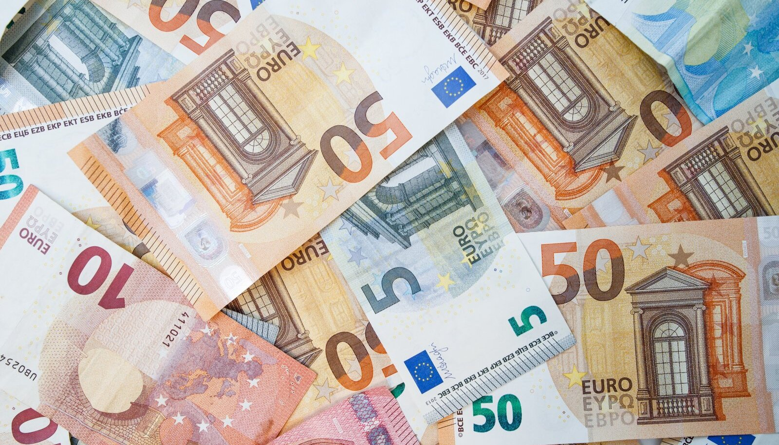 KredEx on kriisi ajal sõlminud kokku 359 uut käendus- ja laenulepingut ning teinud selle aja jooksul ettevõtjatele kättesaadavaks üle 242 miljoni euro.