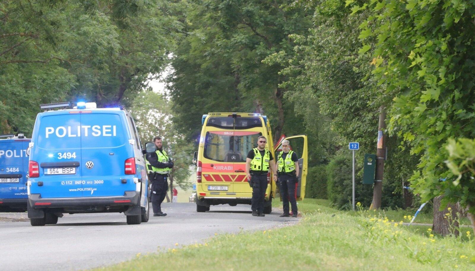Nabala bussipeatus, kus Raivo enesetapu sooritas