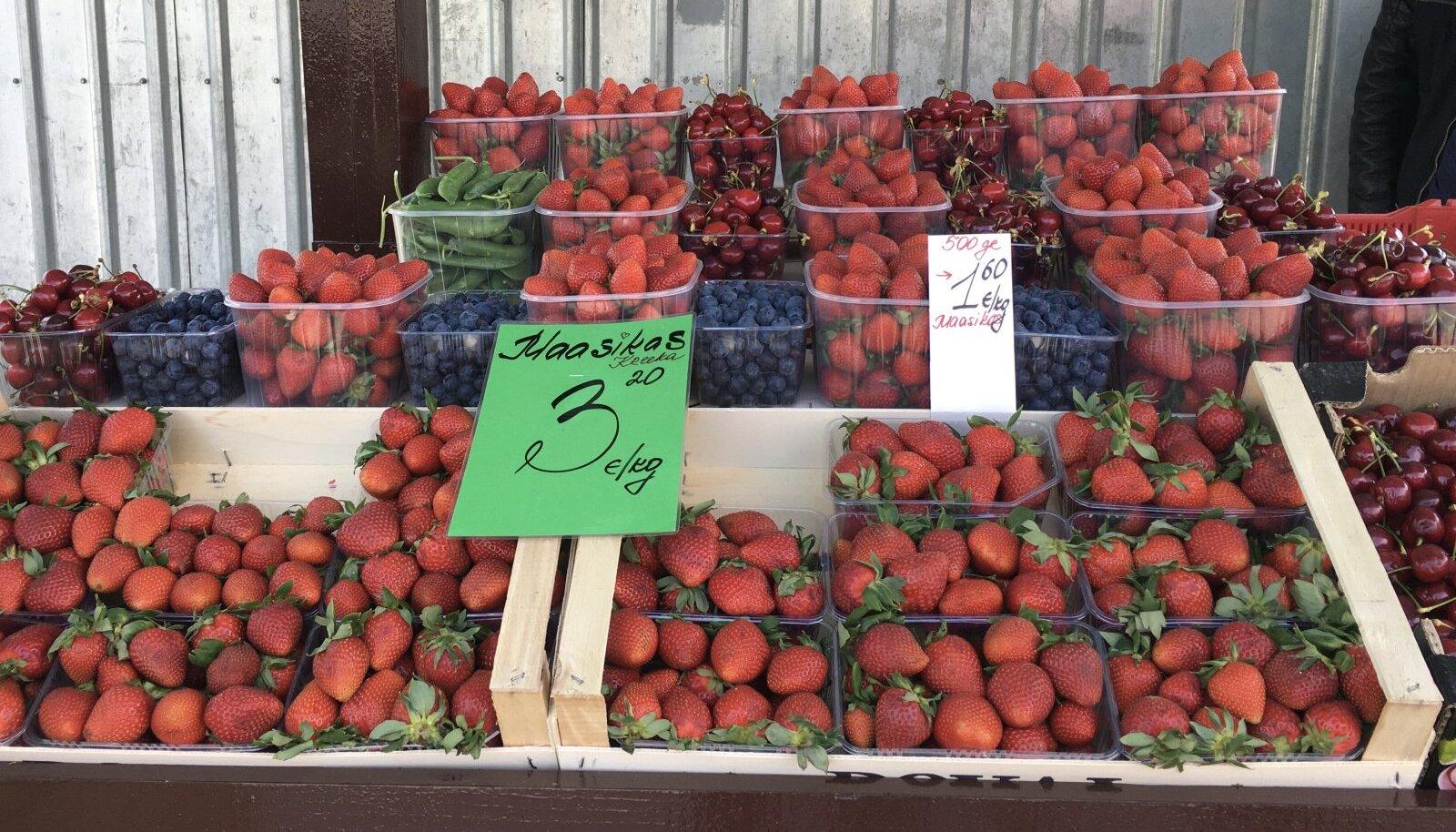 Kreeka maasikad Keskturul.
