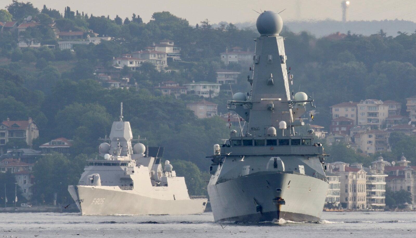 Suurbritannia õhutõrje hävitaja HMS Defender.