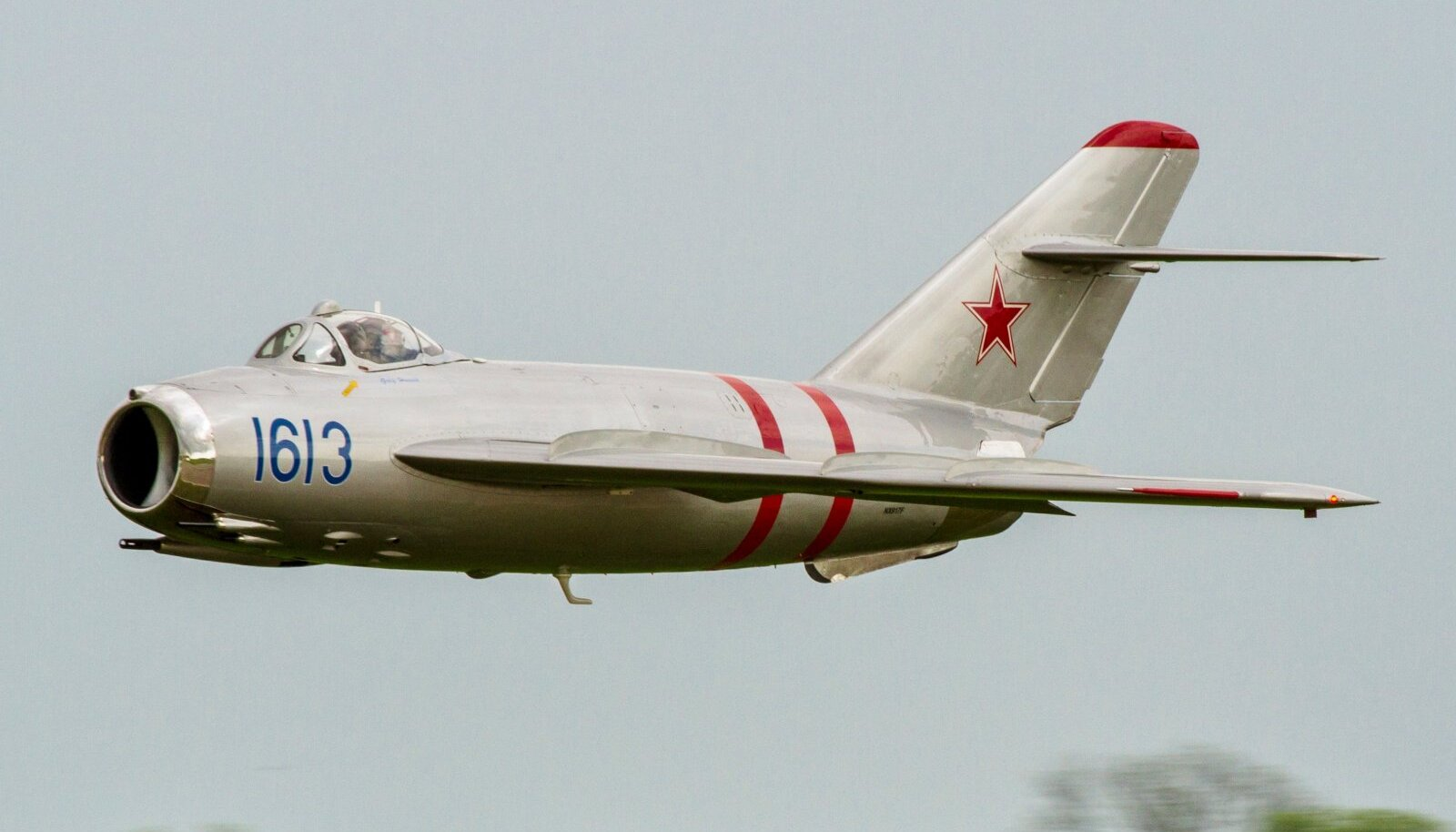MiG-17-el oli tolle aja lennukitest suurim pardakahurite kogupaugu näitaja. (Foto: Wikipedia)