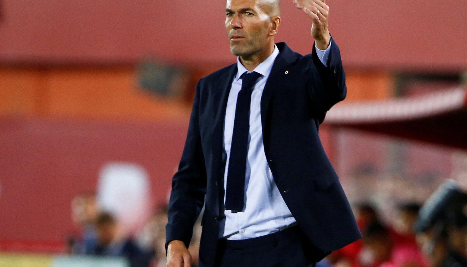 Madridi Reali peatreener Zinedine Zidane