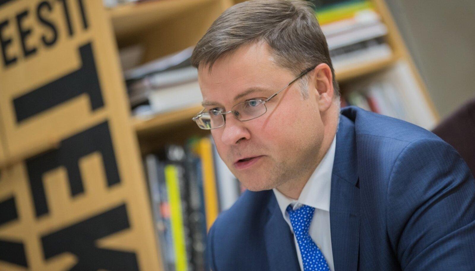 Eurovolinik Dombrovskis kinnitas, et komisjon jälgib tähelepanelikult Eesti suurenevat eelarvedefitsiiti.