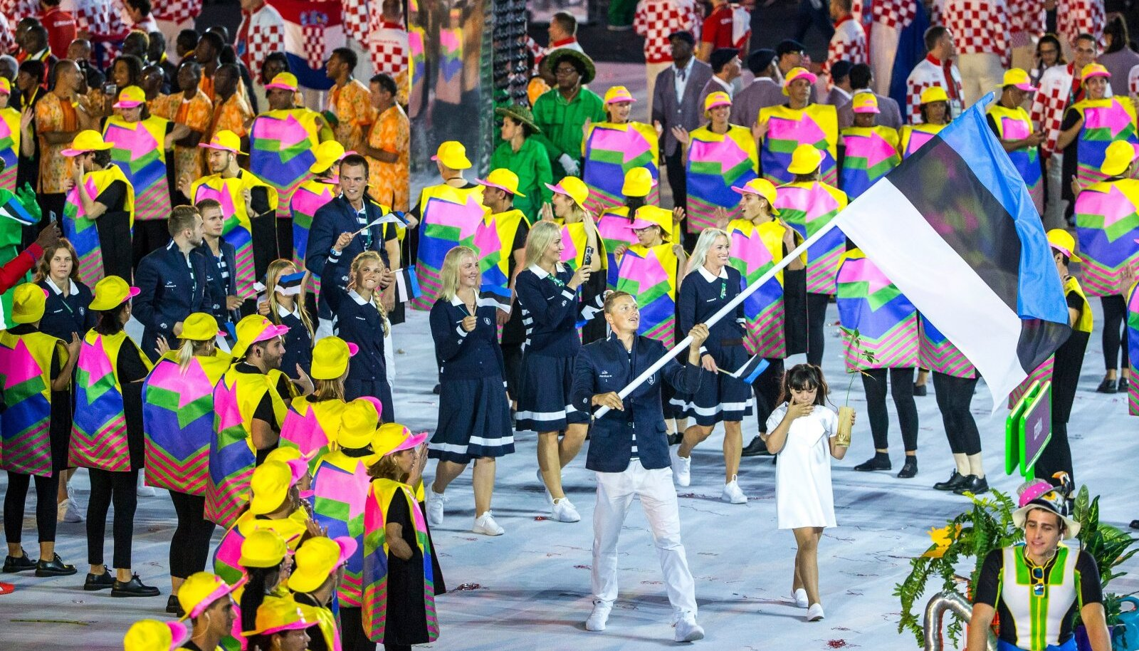 Karl-Martin Rammo Eesti lipuga Rio olümpia avamisel.