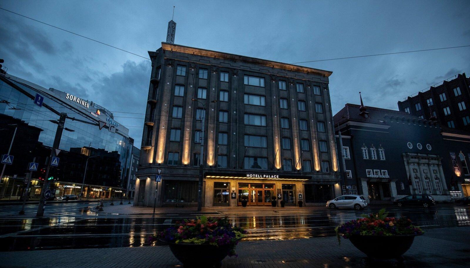 Arakase sõnul on nende hotellil Palace nüüd hakanud lõpuks hästi minema