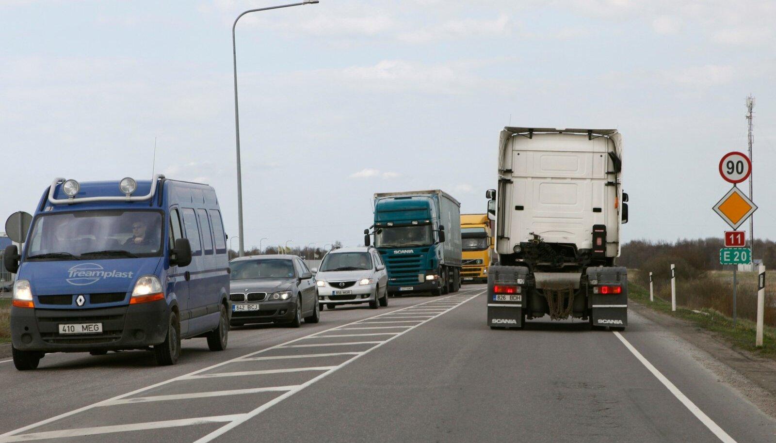 Liiklus maanteel. Pilt on illustratiivne.